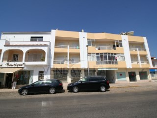 Spacious 2 bedroom apartment situated close to all amenities | 2 Bedrooms | 2WC