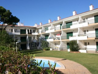 Apartment situated in a beautiful condominium | 3 Bedrooms | 2WC