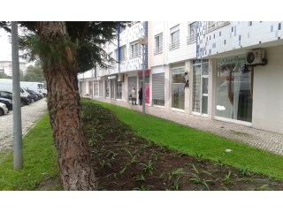 Lisbon, shop for sale next to the University City and St. Mary's Hospital. NPROPRIEDADES |