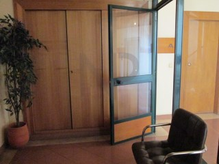 Miraflores, Algés, Office for rent in excellent location |
