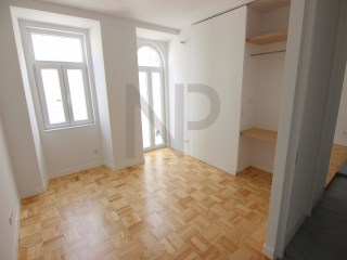 Lisbon, Anjos, excellent apartment for sale with a new housing concept. NPROPRIEDADES | 4 спальни | 3WC