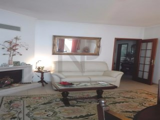 Corroios, T2 apartment with good areas, garage and storeroom. NPROPRIEDADES | 2 спальни | 1WC