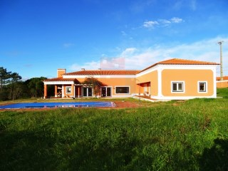 4 bedroom villa with swimming pool +2, behind the Hill, Óbidos | 4 Bedrooms + 2 Interior Bedrooms | 4WC