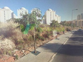PROPERTY OF THE BANK. Plot of land in Praia da Rocha, with 13,300 m ², with project for construction of an enterprise |