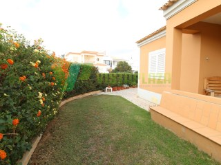 Villa M4 in Mexilhoeira da carregaçao, isolated, with garden, room for pool, garage | 4 Bedrooms | 3WC