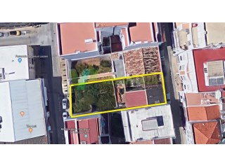 LOT FOR SALE PORTIMAO CENTRE WITH TWO ACCESS STREETS |