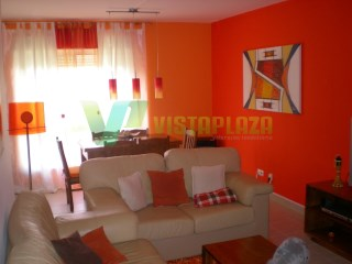 Apartment in Quinta da Ouriva, in good condition, with 1 parking space and storage room | 4 Bedrooms | 2WC