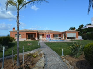 Luz Lagos - 4 bedrooms villa - Excellent area and with swimming pool | 4 Bedrooms | 4WC