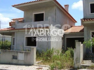House 4 Bedrooms › Cela