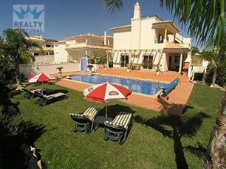 Amazing Villa in São Rafael | 4 Bedrooms