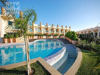 Modern Townhouse in Albufeira | 4 Bedrooms