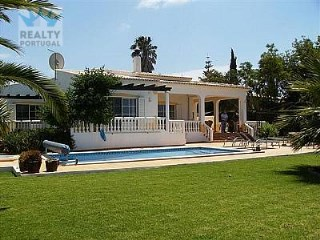 Pretty Villa in Portimão | 3 Bedrooms