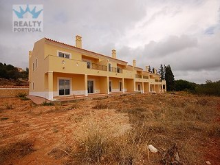 Great Townhouse in Alcantarilha | 3 Bedrooms