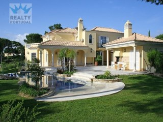 Immaculate Villa in Vilamoura | 4 Bedrooms