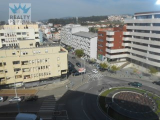 2 Bedroom Apartment Well Located, Gondomar, Porto. | 2 Bedrooms | 2WC
