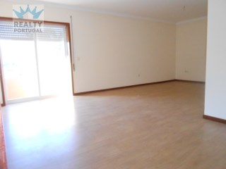 3 Bedroom Apartment Well Located, Gondomar, Porto. | 3 Bedrooms | 2WC