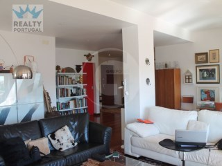 APARTMENT T4 TRANSFORMED Into T3 MAGNIFICO In CENTRAL LISBON AV. WITH PLENTY OF NATURAL LIGHT  | 3 Bedrooms | 3WC
