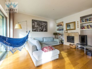 House 2 bedrooms +2 located in Cascais, Lisbon | 2 Bedrooms + 2 Interior Bedrooms | 3WC