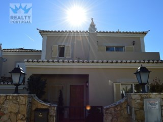 3 Bedroom Villa Located In Loule, Faro | 3 Bedrooms | 3WC