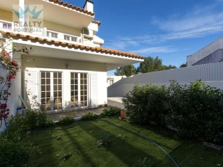 3 Bedroom Villa Located In Cascais, Lisbon | 3 Bedrooms
