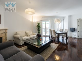 2 Bedroom Apartment Well Located, Star, Lisbon  | 2 Bedrooms | 2WC