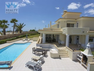 Villa › Albufeira | 3 Bedrooms | 4WC