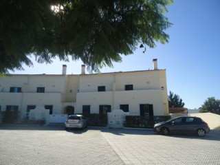Semi-Detached House › Setúbal | 5 Bedrooms | 4WC