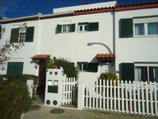 Terraced House › Setúbal | 3 Bedrooms | 2WC