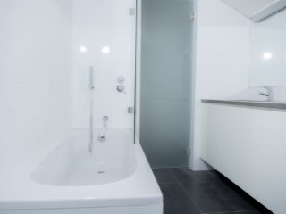 Master Suite-Bathroom%27/121