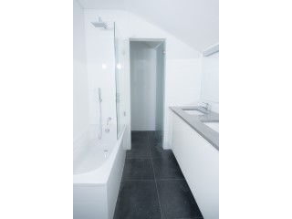 Master Suite-Bathroom%30/121