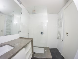Suite-bathroom%96/121