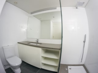 Suite-bathroom%98/121