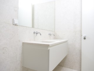 Suite-bathroom%168/176