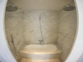 Master Suite-bathroom%168/189