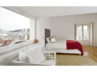 T1 with 129 m2, inserted in one of the most emblematic buildings of the Chiado.  | 1 Bedroom | 2WC