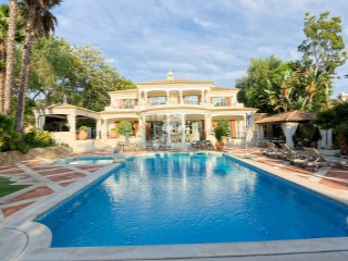 Lovely 5 bedroom villa with golf views at Pinheiros Altos | 5 Bedrooms