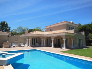4 bedroom family villa at Quinta do Lago with a golf view | 4 Bedrooms
