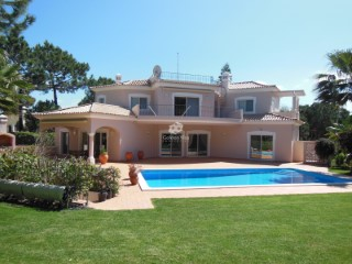 Spectacular 4 bedroom villa in Quinta do Lago with Golf Tittle and golf views | 4 Bedrooms
