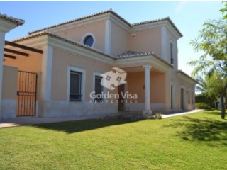 Villa › Loulé | 3 Bedrooms + 1 Interior Bedroom