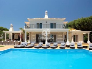 Very spacious 6 bedroom villa close to Vale do Lobo and the beach | 6 Bedrooms