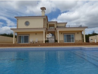 Impressive 3 bedroom villa with saltwater pool and panoramic sea views at Santa Barbara de Nexe | 3 Bedrooms | 4WC