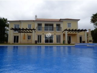Excellent 5 bedroom villa with lovely garden and pool in Quinta do Mar | 5 Bedrooms