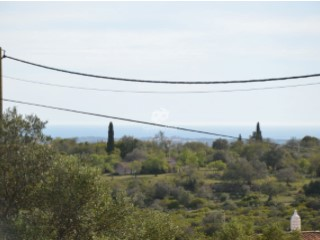 Lovely building plot in Santa Barbara de Nexe with sea views. |