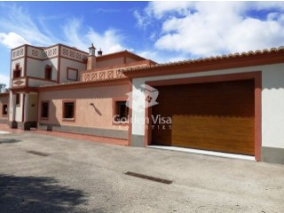 4+1 bedrooms villa with Sea Views, swimming pool and garden in Santa Barbara de Nexe | 4 Bedrooms + 1 Interior Bedroom