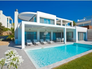 Stunning 4 Bedroom Beachside Villa with Ocean View in Vale do Lobo | 4 Bedrooms