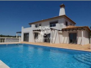 4 bedrooms villa with swimming pool and a fantastic view in Quelfes | 4 Bedrooms | 5WC