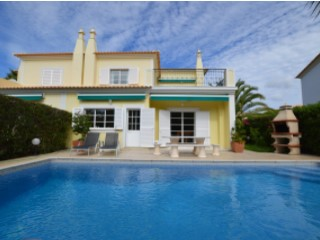 4 Bedroom townhouse with pool between Vale do Lobo and Quinta do Lago only 1.5 km from the Beach | 4 Bedrooms | 3WC