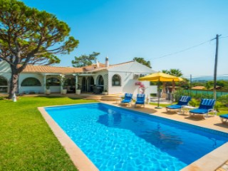 Villa Terra Vermelha - Well located property close to all amenities |