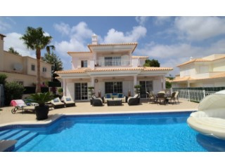 Excellent 4 bedroom villa in Varandas do Lago, Quinta do Lago | 4 Bedrooms + 1 Interior Bedroom | 6WC