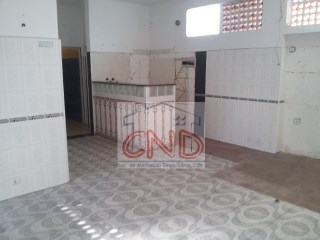 Sale shop in Queluz-Tassel with 62, 5 m 2 + 62, 5 m 2 PROPERTY of the BANK, UP to 100% financing. |